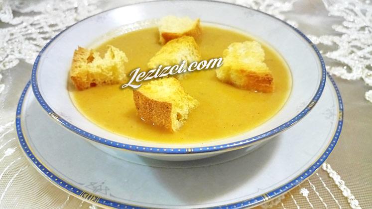 Domatesli Közlenmiş Patlıcan Çorbası
