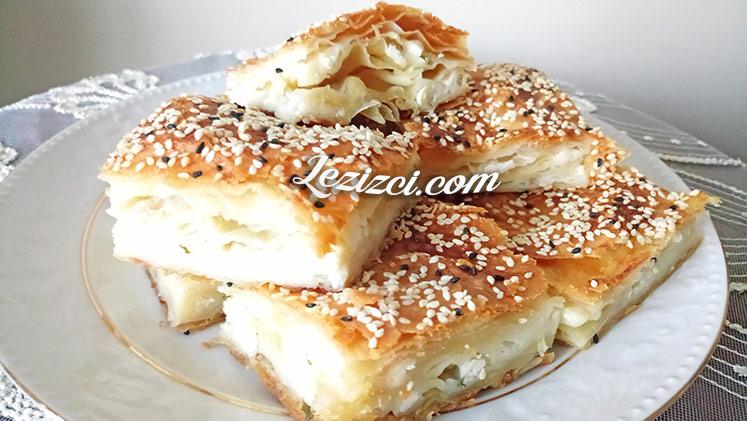 El Açması Peynirli Tepsi Böreği Tarifi