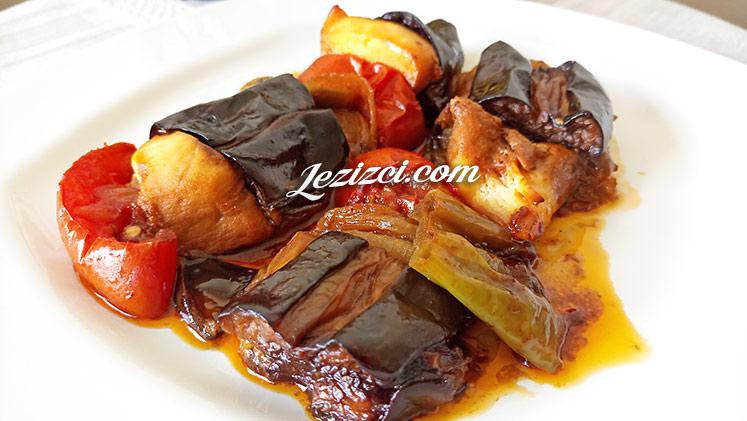 Fırında Tavuklu Patlıcan Kebabı