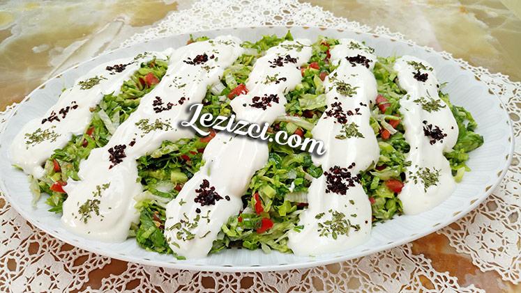 Yoğurtlu Kır Salatası Tarifi