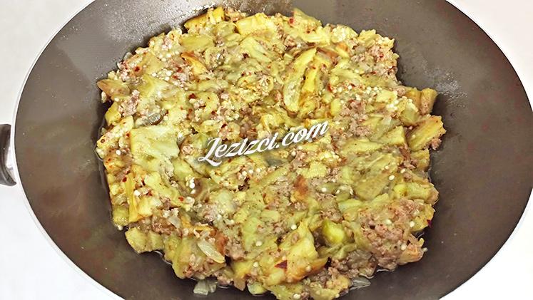 Közlenmiş patlıcanlı makarna nasıl yapılır?