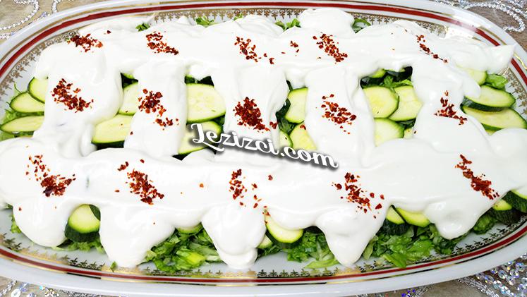 Kabaklı Yoğurt Soslu Kıvırcık Salatası