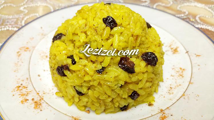 Zerdeçallı Üzümlü Pirinç Pilavı