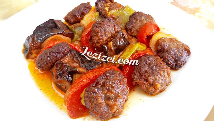 Köfteli Patlıcan Kebabı Nasıl Yapılır?