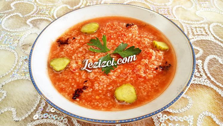 Domates Soslu Bulgur Salatası Tarifi