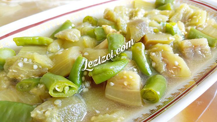 Ekşili Patlıcan Salatası Tarifi