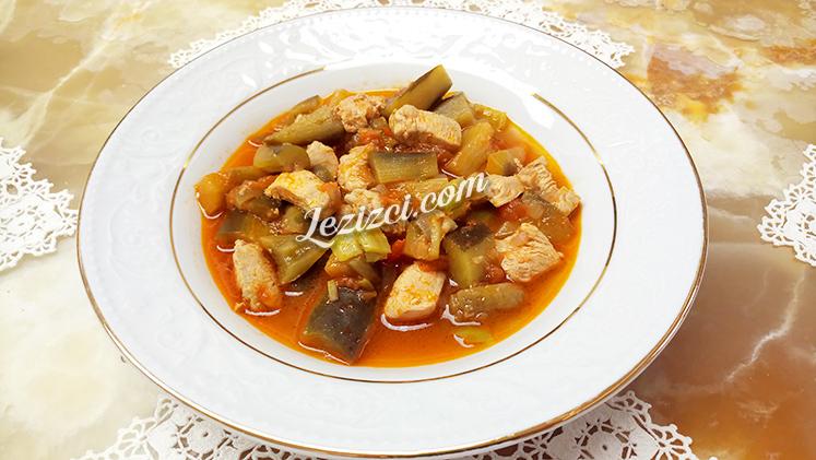 Tavuklu Patlıcan Musakka