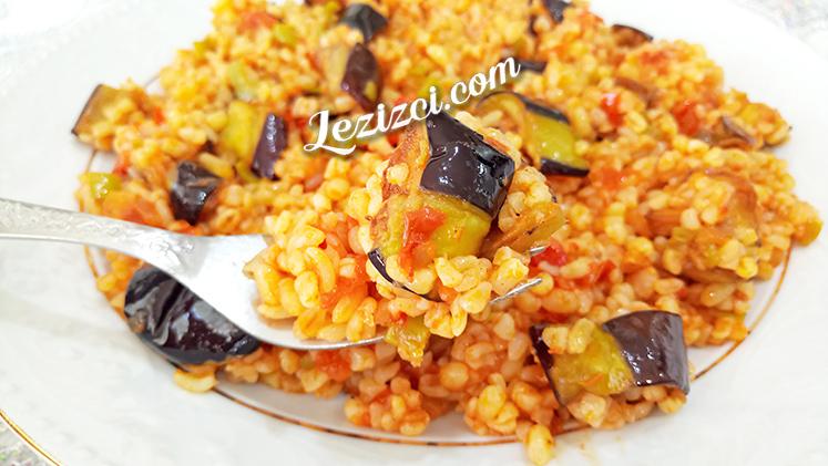 Domates Soslu Patlıcanlı Bulgur Pilavı Tarifi