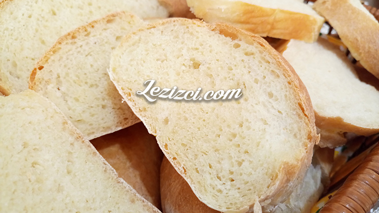 Evde Yaş Mayadan Ekmek Nasıl Yapılır?