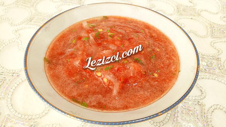 Soğanlı domates sos tarifi